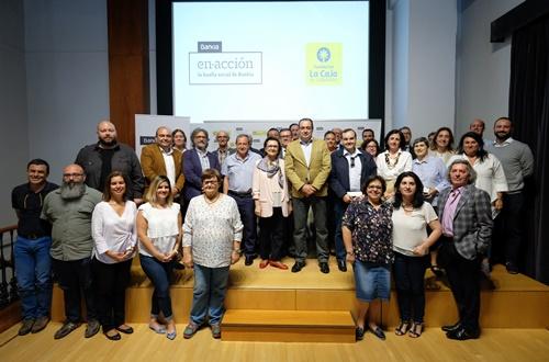 La Fundación La Caja de Canarias y Bankia entregan 150.000 euros a un total de 29 asociaciones de las Islas